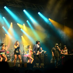Las Reinas del Ritmo & The Cuban Martinez Show